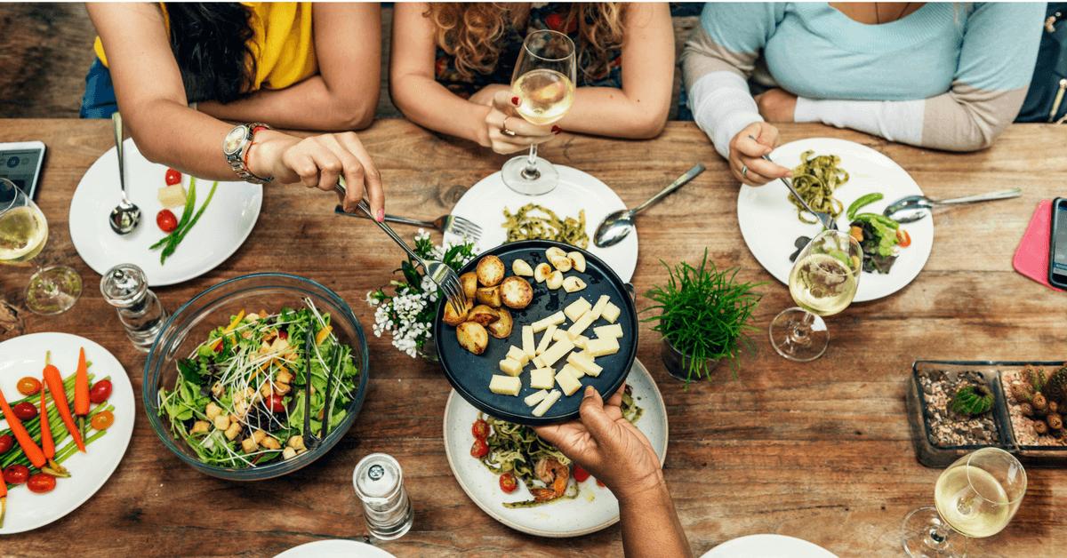 Que comer en un restaurante para no subir de peso c mo for Que hacer para comer